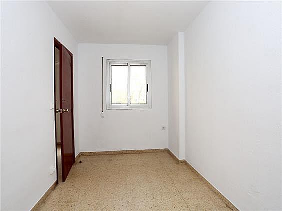 Piso en alquiler en calle Pedro Cabanes, Torrefiel en Valencia - 304773247