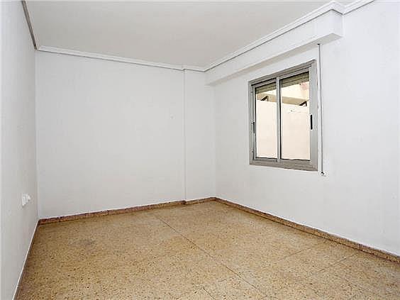 Piso en alquiler en calle Pedro Cabanes, Torrefiel en Valencia - 304773250