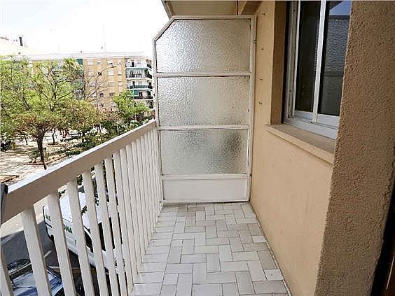 Piso en alquiler en calle Pedro Cabanes, Torrefiel en Valencia - 304773259