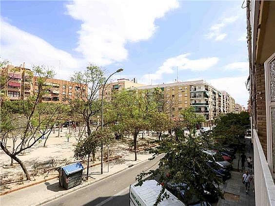 Piso en alquiler en calle Pedro Cabanes, Torrefiel en Valencia - 304773262