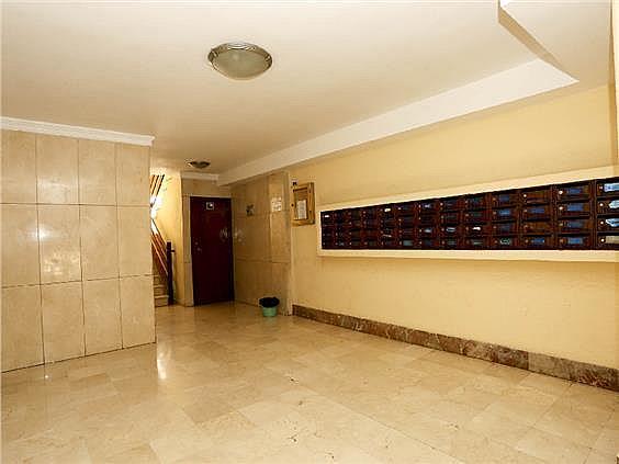 Piso en alquiler en calle Pedro Cabanes, Torrefiel en Valencia - 304773265