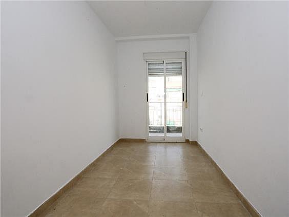 Piso en alquiler en Benicalap en Valencia - 330980345