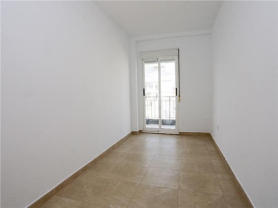 Piso en alquiler en Benicalap en Valencia - 330980348