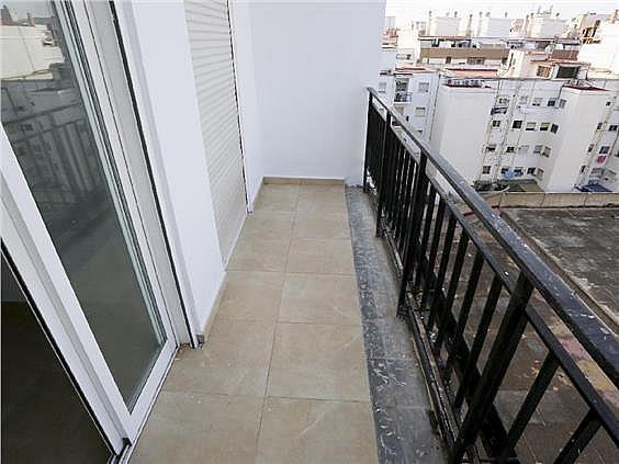 Piso en alquiler en Benicalap en Valencia - 330980357