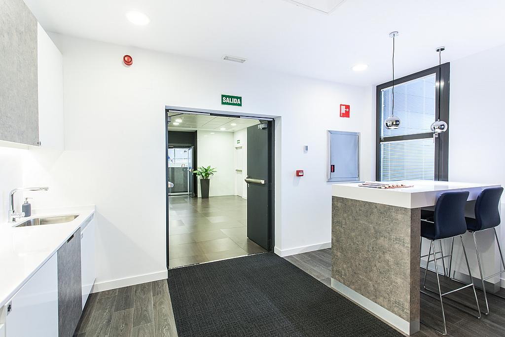 Oficina en alquiler en calle Martínez Villergas, San Pascual en Madrid - 301791050