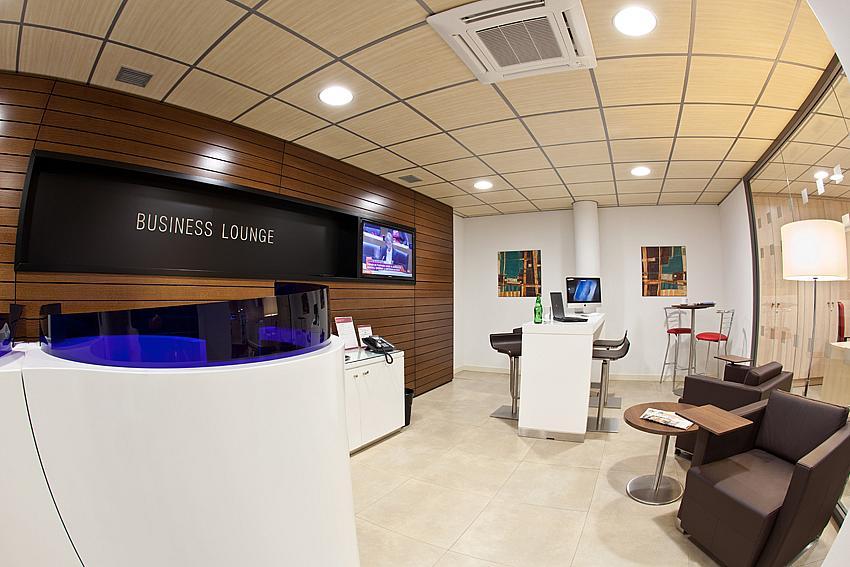 Oficina en alquiler en plaza De la Solidaridad, El Cónsul-Ciudad Universitaria en Málaga - 142000342