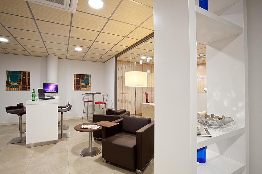 Oficina en alquiler en plaza De la Solidaridad, El Cónsul-Ciudad Universitaria en Málaga - 142000344