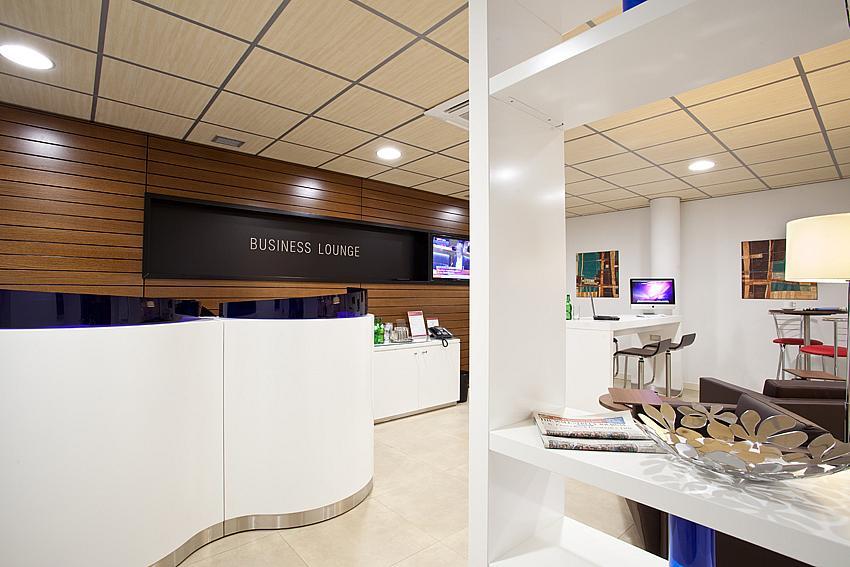 Oficina en alquiler en plaza De la Solidaridad, El Cónsul-Ciudad Universitaria en Málaga - 142000365