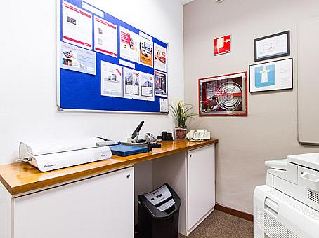 Oficina en alquiler en plaza De la Solidaridad, El Cónsul-Ciudad Universitaria en Málaga - 142373725