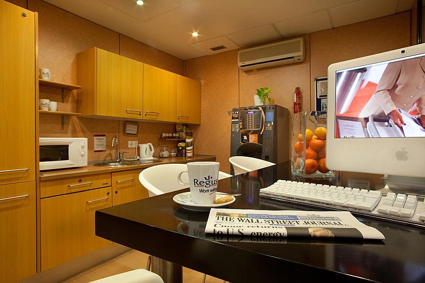 Oficina en alquiler en calle Ricardo Soriano, Casco Antiguo en Marbella - 142510483
