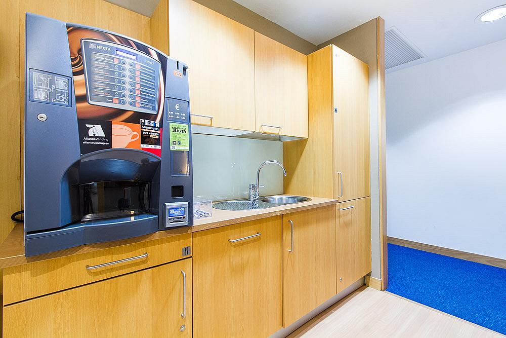 Oficina en alquiler en calle Ribera del Loira, Madrid - 142769219