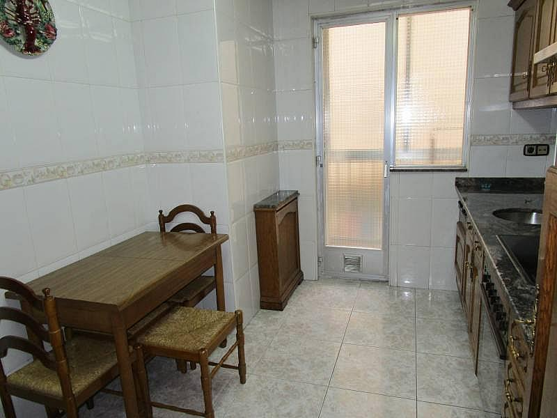 Foto - Piso en alquiler en calle Carmelitasoeste, San Bernardo en Salamanca - 299572043
