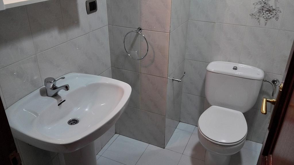 Baño - Piso en alquiler en calle Sainza, Ourense - 261508824