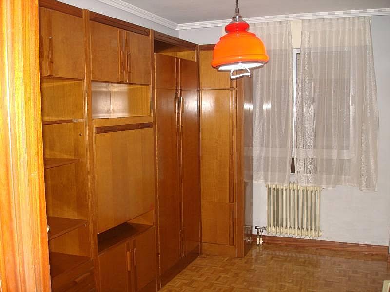 Foto - Piso en alquiler en calle Linares, Rondilla-Pilarica-Vadillos-Bº España-Santa Clara en Valladolid - 244492591