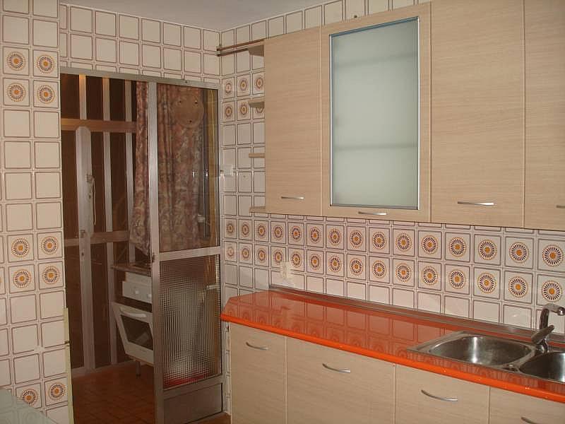 Foto - Piso en alquiler en calle Linares, Rondilla-Pilarica-Vadillos-Bº España-Santa Clara en Valladolid - 244492657