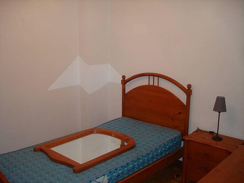 Foto - Piso en alquiler en calle Linares, Rondilla-Pilarica-Vadillos-Bº España-Santa Clara en Valladolid - 244492687