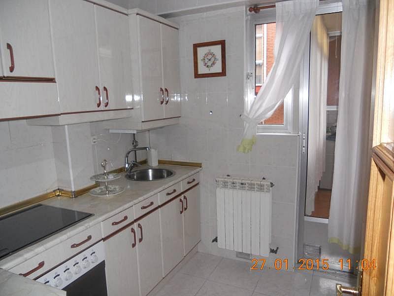 Foto - Piso en alquiler en calle Amor de Dios, Rondilla-Pilarica-Vadillos-Bº España-Santa Clara en Valladolid - 257251334