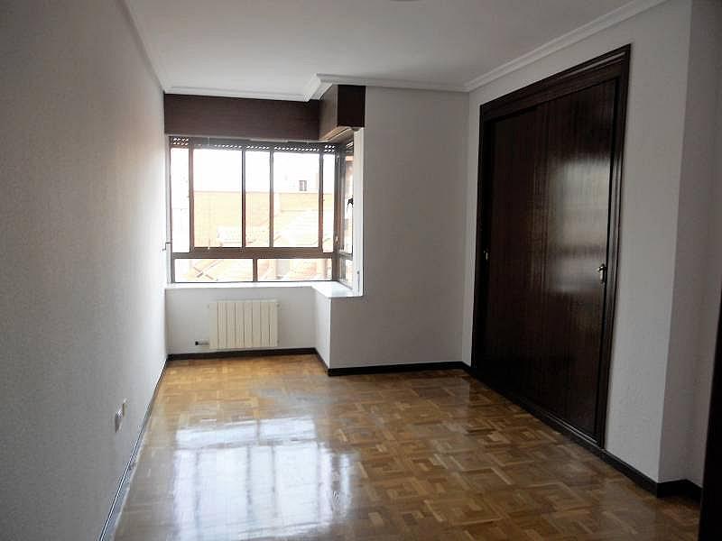 Foto - Piso en alquiler en calle Rosario, Centro en Valladolid - 335157858