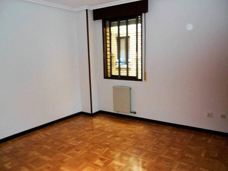 Foto - Piso en alquiler en calle Rosario, Centro en Valladolid - 335157897