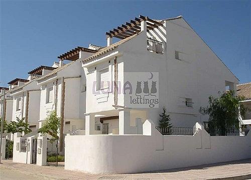 Casa adosada en alquiler en calle Naranjos de Marbella, Nueva andalucia - 325835179