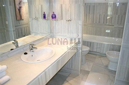 Casa adosada en alquiler en calle Naranjos de Marbella, Nueva andalucia - 325835236