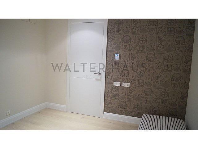 Habitación doble - Piso en alquiler en Les Tres Torres en Barcelona - 279835571