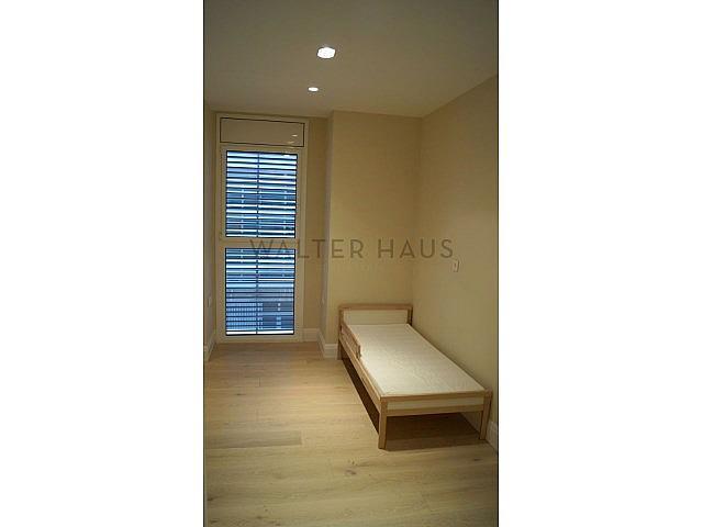Habitación individual - Piso en alquiler en Les Tres Torres en Barcelona - 279835580
