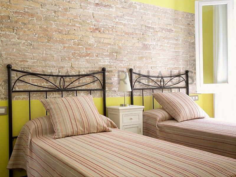 Dormitorio - Piso en alquiler en Ciutat vella en Barcelona - 315417374