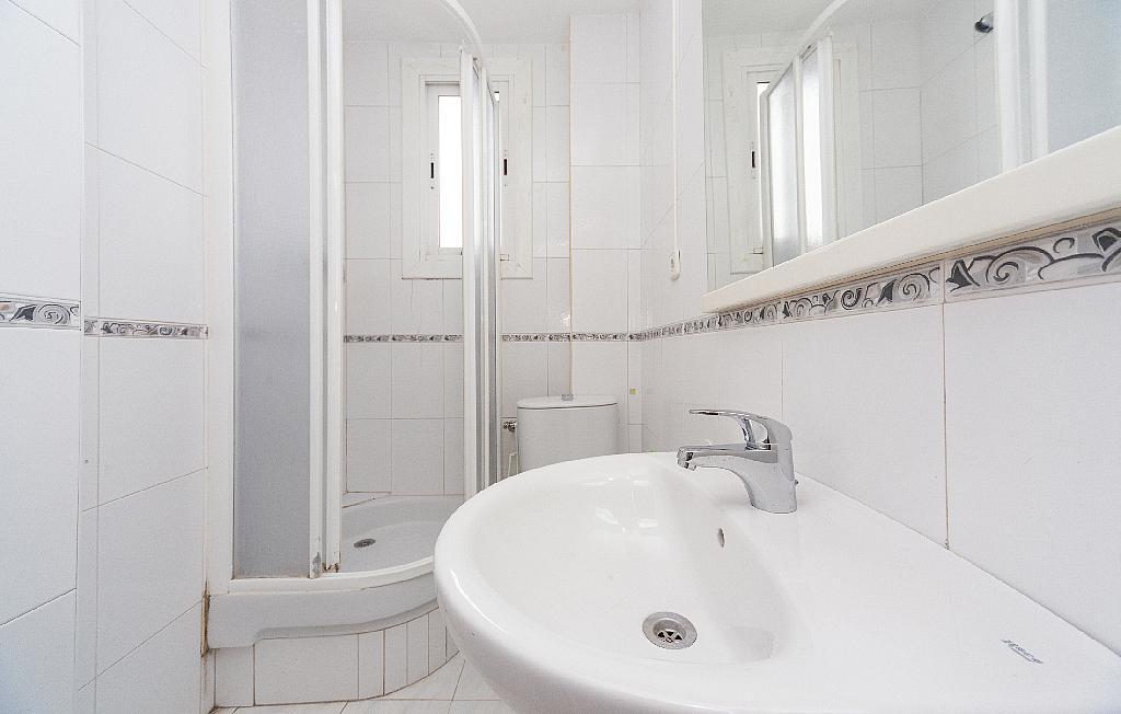 Baño - Piso en alquiler en carretera La Bordeta, Hostafrancs en Barcelona - 330429862