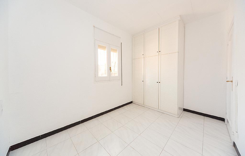 Dormitorio - Piso en alquiler en carretera La Bordeta, Hostafrancs en Barcelona - 330429869