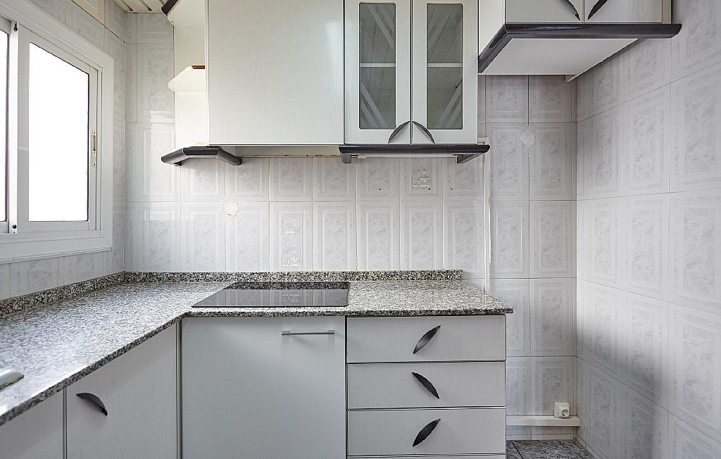 Cocina - Ático en alquiler en calle Casals i Cuberó, El Verdum en Barcelona - 330438848