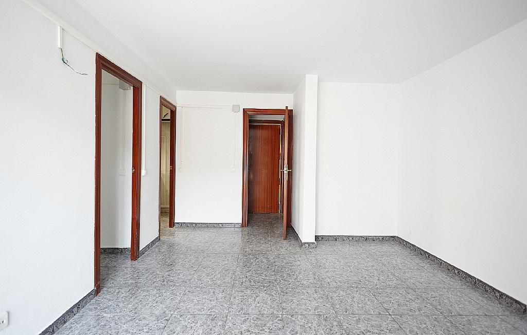Salón - Ático en alquiler en calle Casals i Cuberó, El Verdum en Barcelona - 330438854