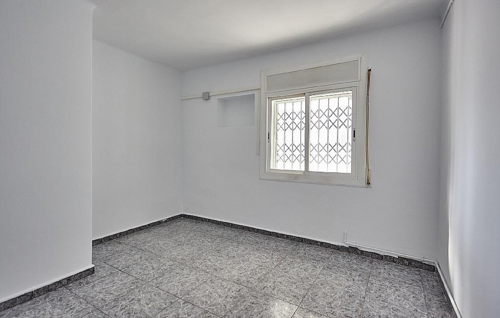 Dormitorio - Ático en alquiler en calle Casals i Cuberó, El Verdum en Barcelona - 330438856