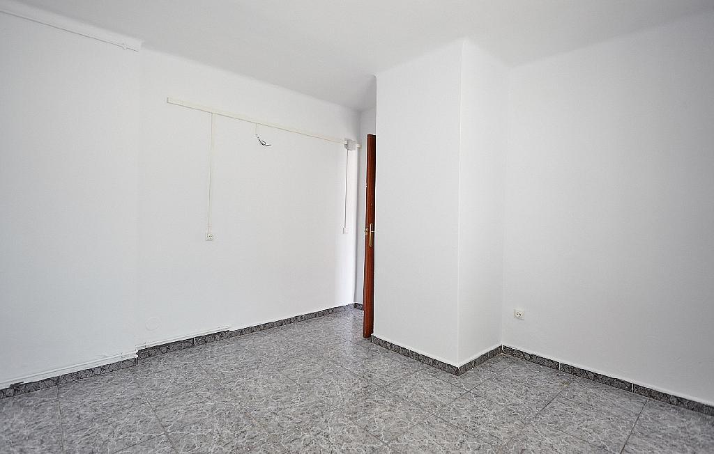 Dormitorio - Ático en alquiler en calle Casals i Cuberó, El Verdum en Barcelona - 330438859