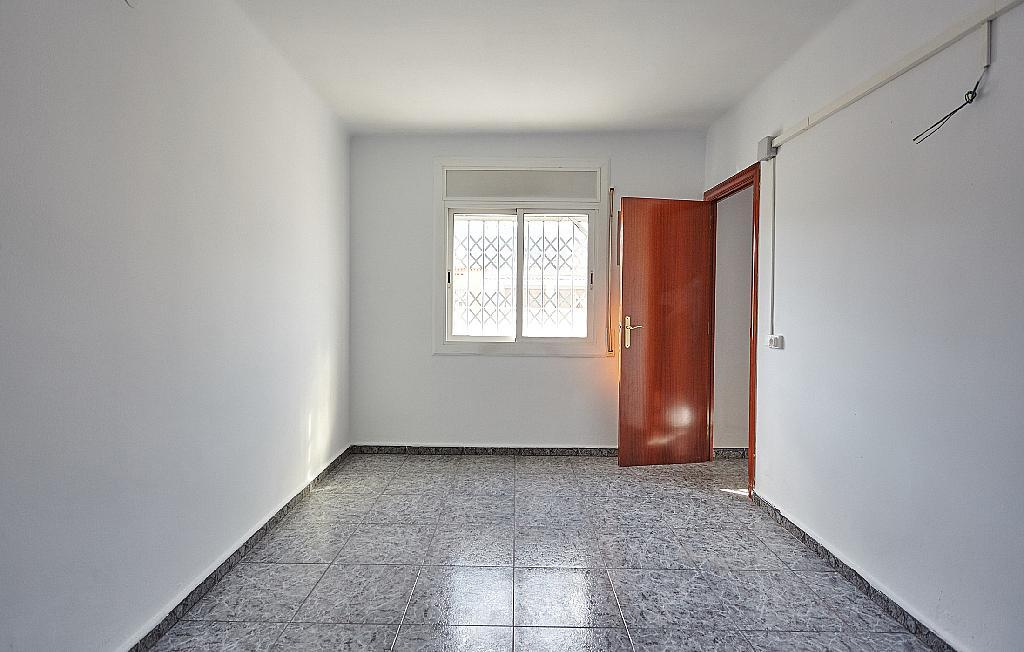 Dormitorio - Ático en alquiler en calle Casals i Cuberó, El Verdum en Barcelona - 330438860