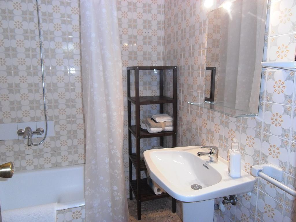 Baño - Piso en alquiler en La Platja de Calafell en Calafell - 286542403