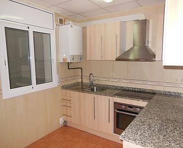 Cocina - Dúplex en alquiler en calle Roda de Bara, Centro en Roda de Barà - 186925733
