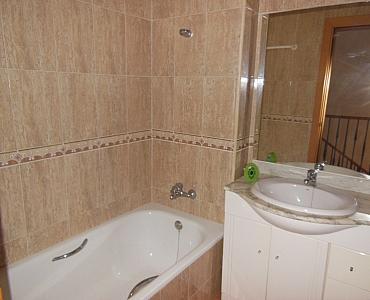 Baño - Dúplex en alquiler en calle Roda de Bara, Centro en Roda de Barà - 186925746