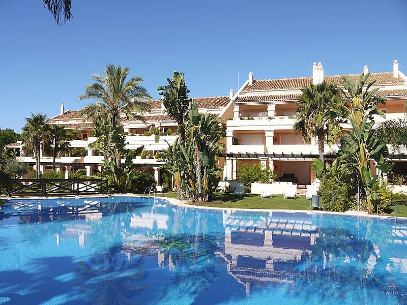 Dúplex en alquiler en calle Los Naranjos, Nueva Andalucía en Marbella - 258903686