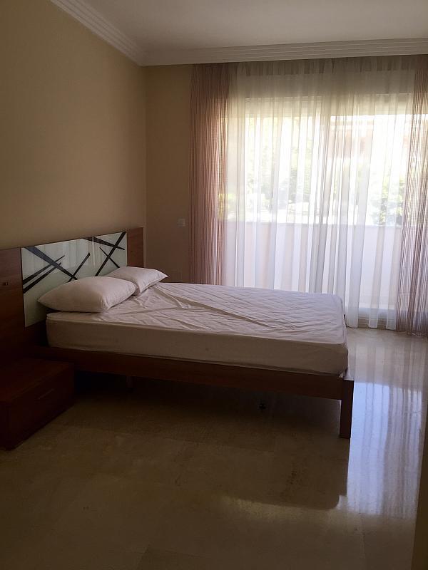 Dúplex en alquiler en calle Los Naranjos, Nueva Andalucía en Marbella - 258903755