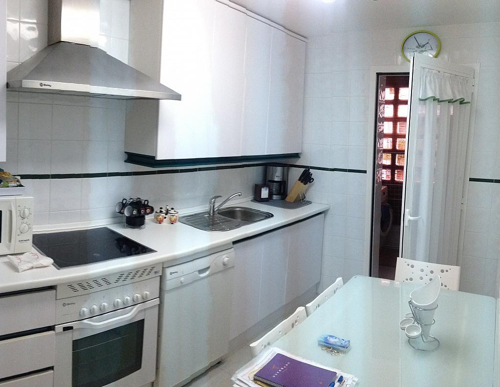Apartamento en alquiler de temporada en calle Principe Salaman, Nueva andalucia - 183742341