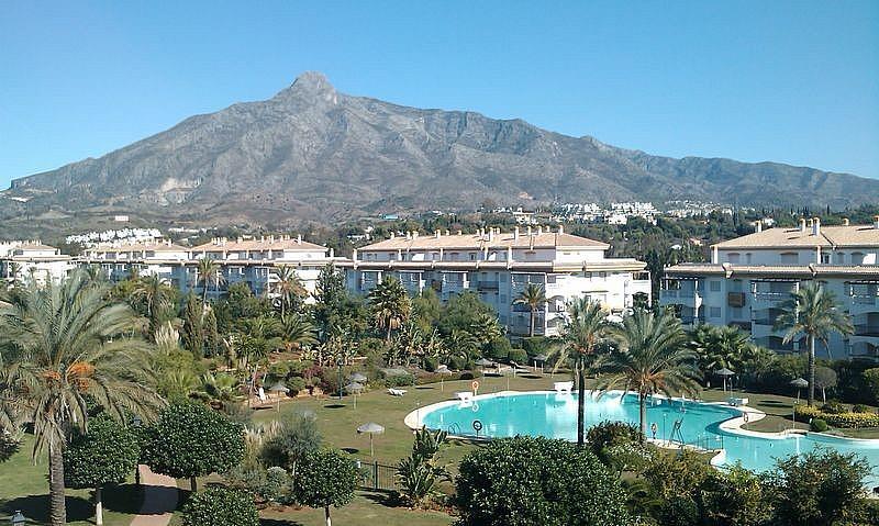 Apartamento en alquiler de temporada en calle Principe Salaman, Nueva andalucia - 183742566