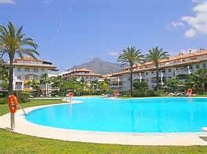 Apartamento en alquiler de temporada en calle Principe Salaman, Nueva andalucia - 183742567