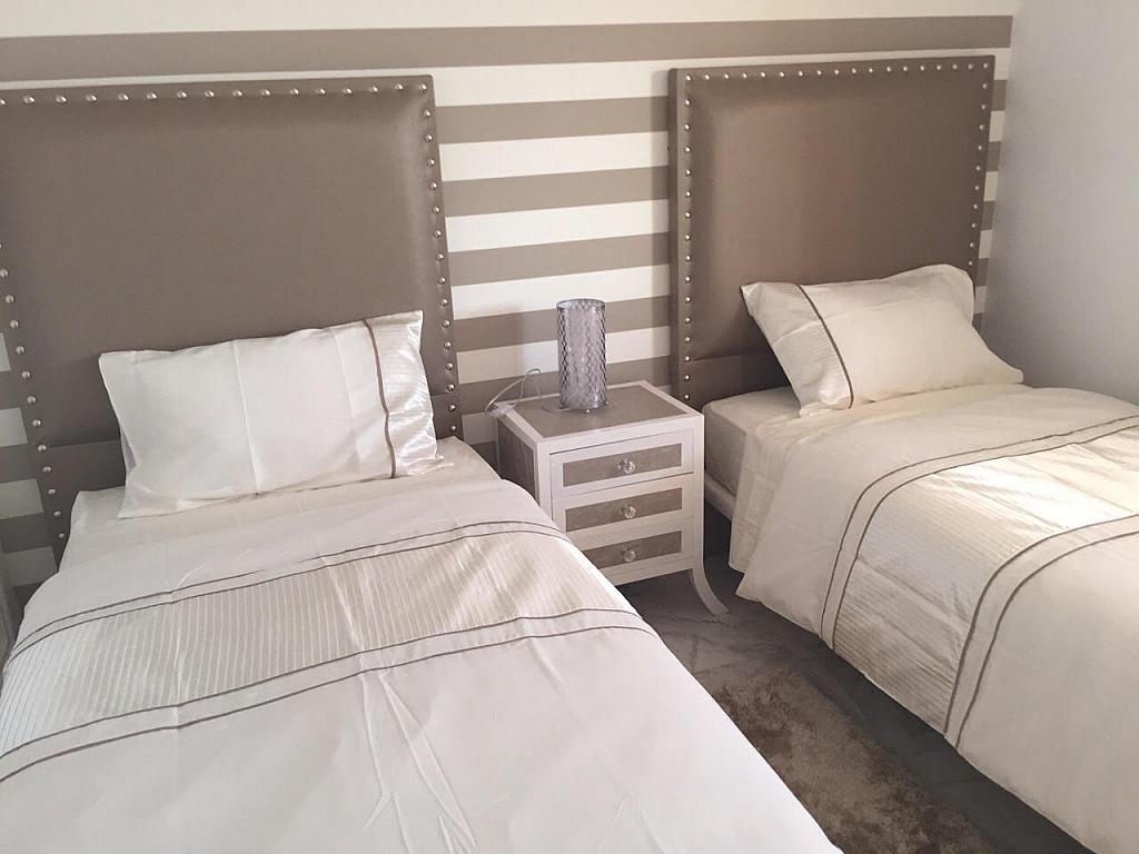 Apartamento en alquiler de temporada en plaza Marina Banús, Nueva Andalucía en Marbella - 202151584