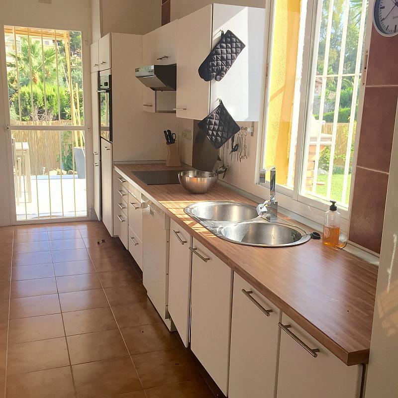 Villa en alquiler de temporada en calle Lisboa, Nueva Andalucía-Centro en Marbella - 208603135