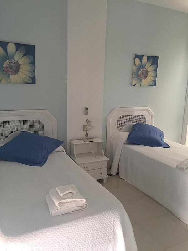 Villa en alquiler de temporada en calle Lisboa, Nueva Andalucía en Marbella - 208603165