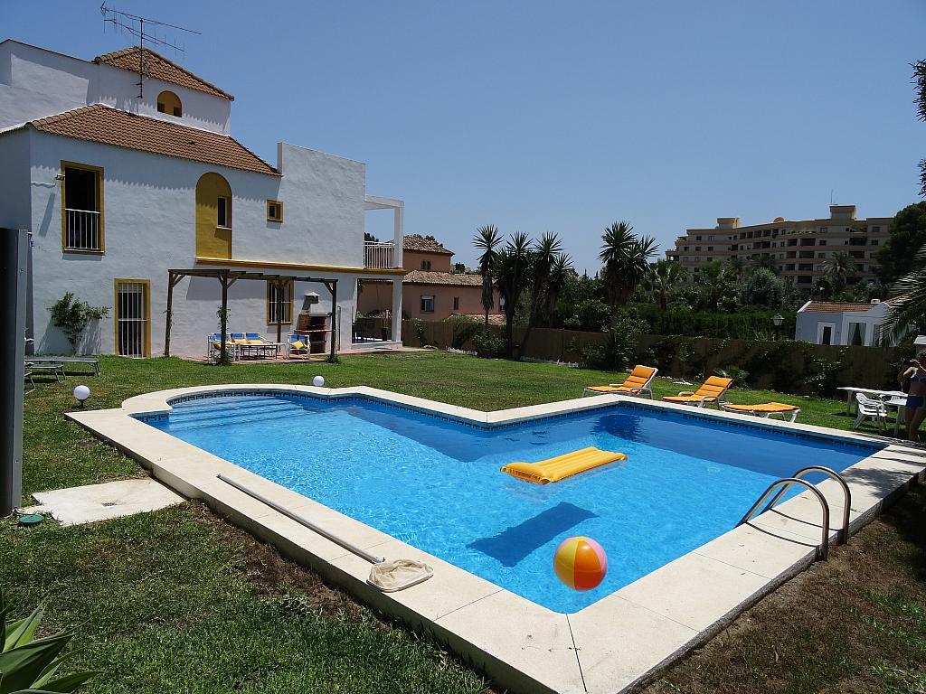 Villa en alquiler de temporada en calle Lisboa, Nueva Andalucía en Marbella - 209116841