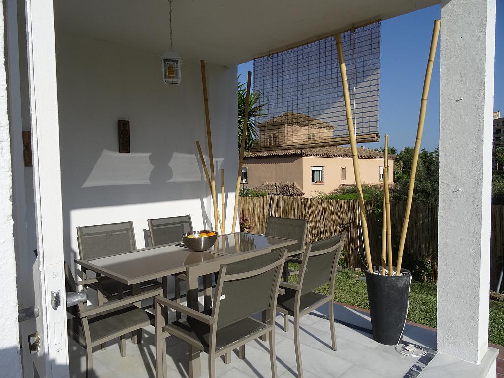Villa en alquiler de temporada en calle Lisboa, Nueva Andalucía-Centro en Marbella - 209116864