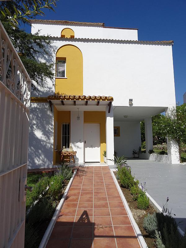 Villa en alquiler de temporada en calle Lisboa, Nueva Andalucía en Marbella - 209116870