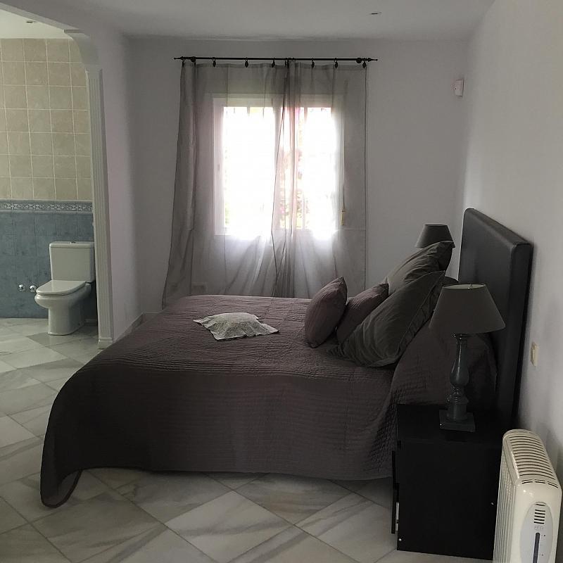 Villa en alquiler de temporada en calle Real, Nueva andalucia - 209818086